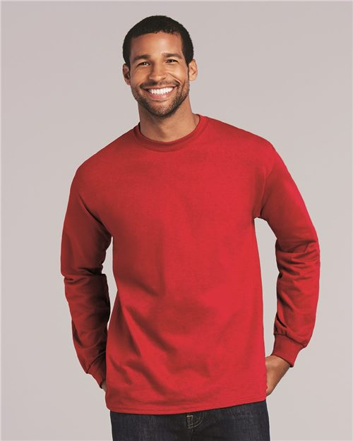 Gildan 2400 Ultra Cotton Long Sleeve T-Shirt Model Shot