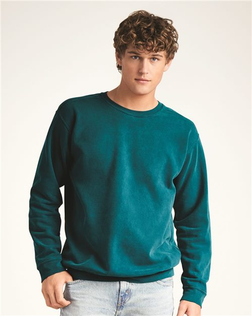 Comfort Colors 1566 Garment-Dyed Sweatshirt Model Shot