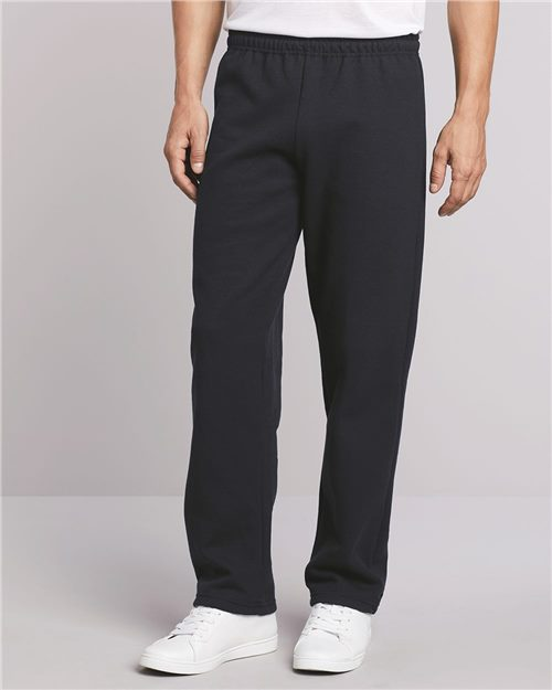 Gildan 18400 Heavy Blend™ Open-Bottom Sweatpants Model Shot
