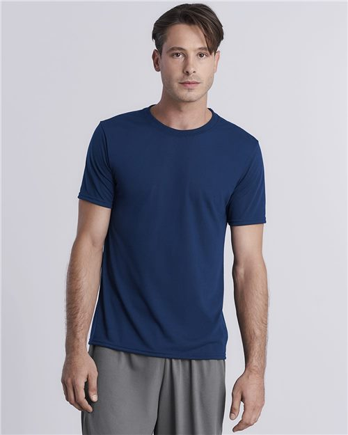 Gildan 42000 Performance® Short Sleeve T-Shirt Model Shot