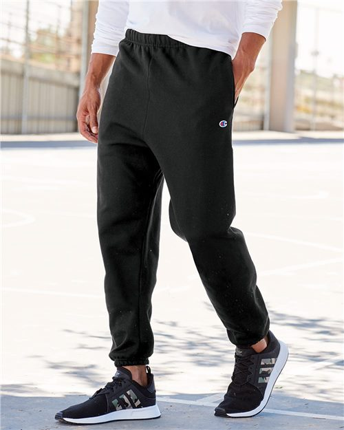 Champion RW10 Reverse Weave® Sweatpants with Pockets Model Shot