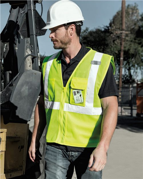 Kishigo 1532-1533 Clear ID Vest with Zipper Closure Model Shot
