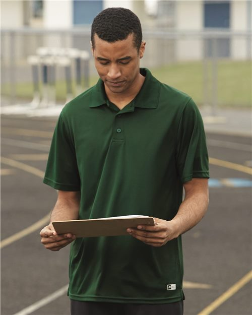 Russell Athletic 7EPTUM Essential Short Sleeve Polo Model Shot