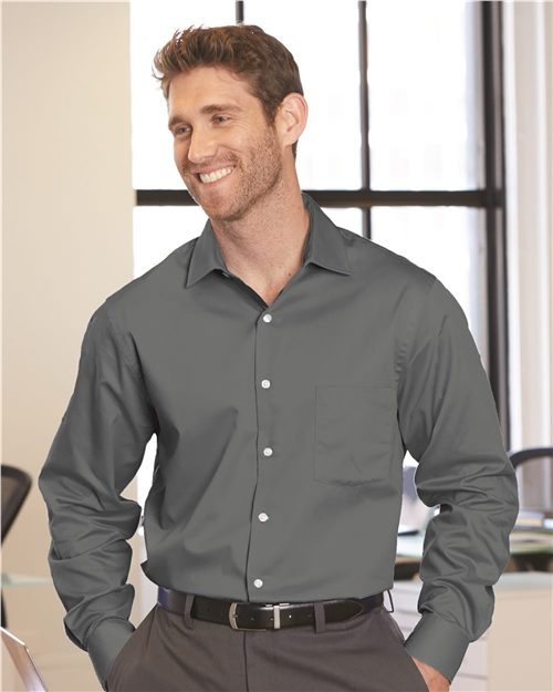 Van Heusen 13V0461 Flex 3 Shirt With Four-way Stretch Model Shot