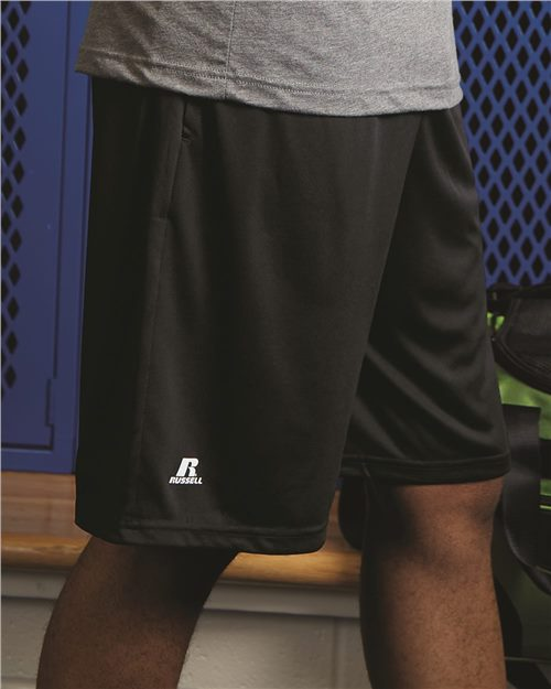 "Russell Athletic TS7X2M Dri-Power® Essential 10"" Shorts with Pockets Model Shot"